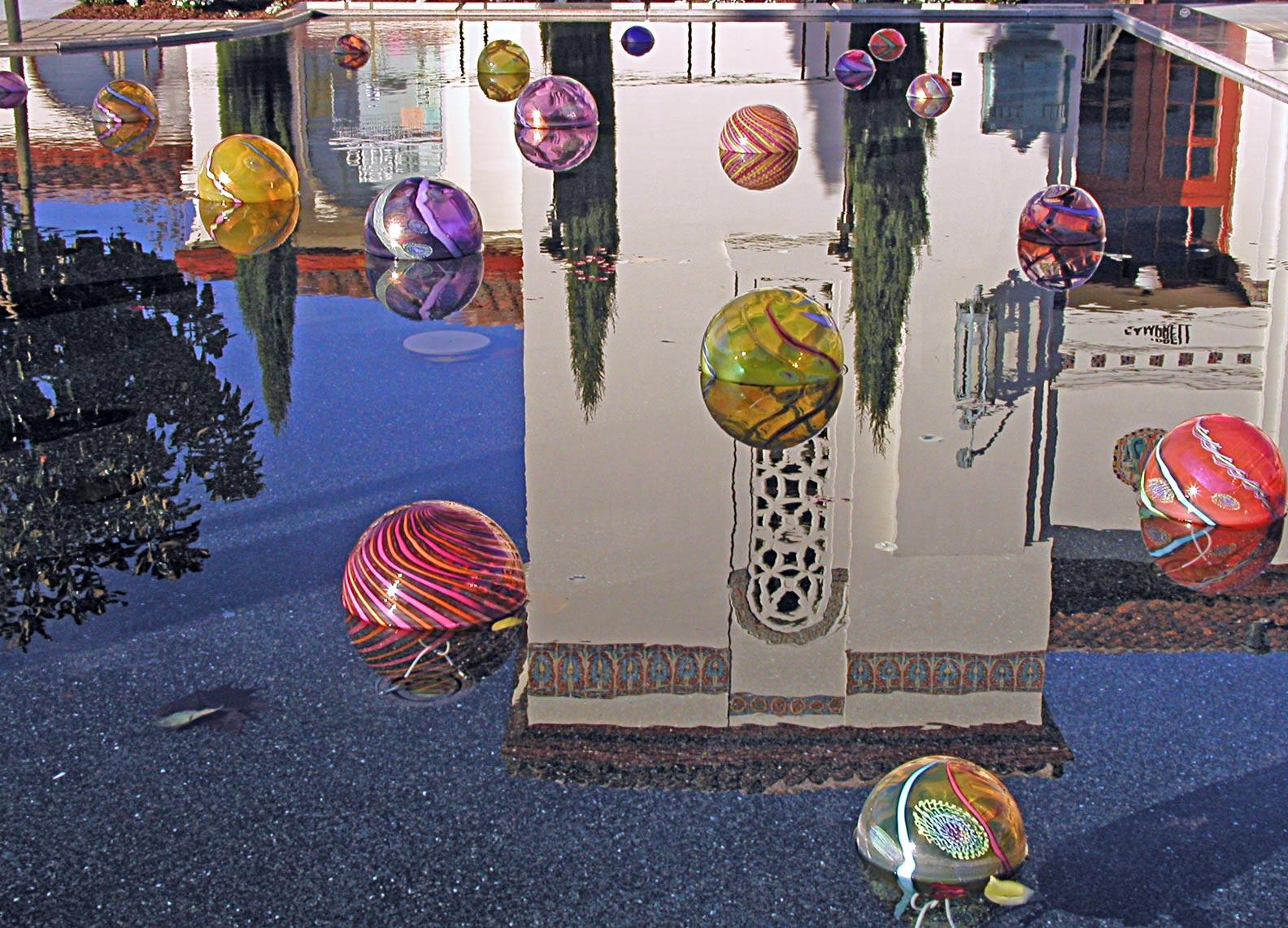 Balls-pool-reflection-11-27-05-mod