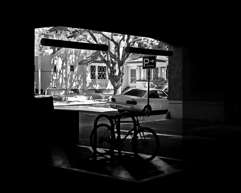 Garage-B&W_5032750