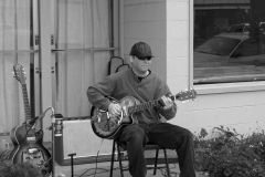 B&W-Street-Music_CIMG0215