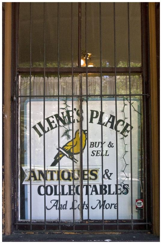 Antiques_5250676-web