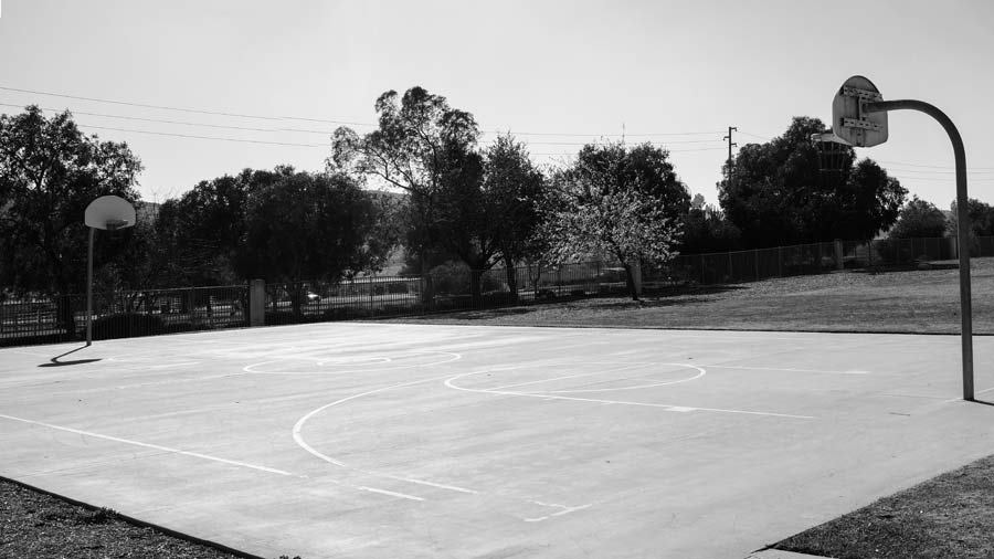 Basketball_Ball_Court_BW__Web